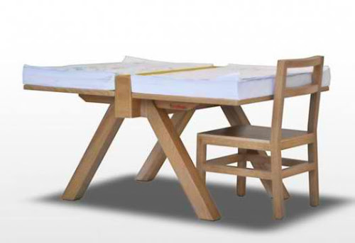 Minimalist Drawing Table Design for Kids