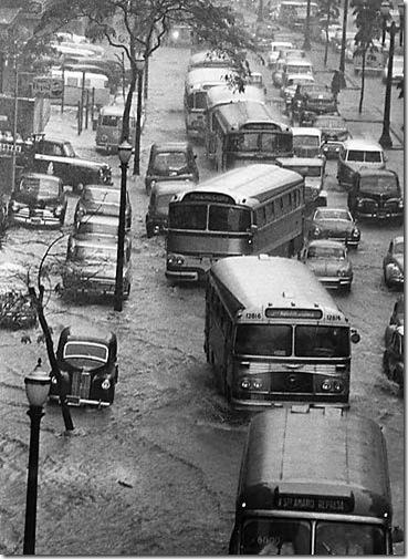 Enchentes - Av. Nove de Julho