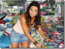 Renata Santos_Rainha Bateria da Mangueira_donativos Rio_redimensionada