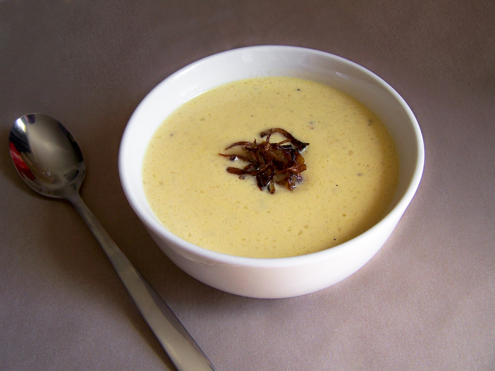 KitchenLab: Creamy Cauliflower Cheese Soup with Pan-fried Shallots