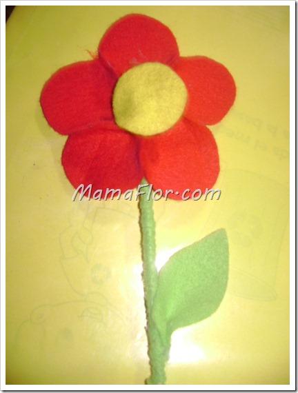 Como hacer una rosa de felpa para regalar a mama en su dia