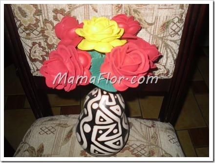 Como hacer rosas de fomys o goma de eva