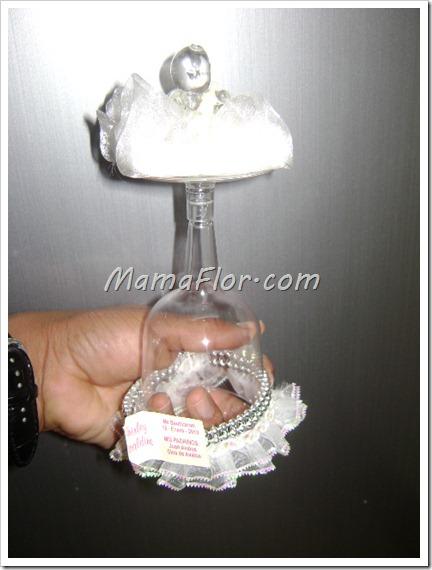 Recordatorio para Baby Shower: Bebé sobre la copa