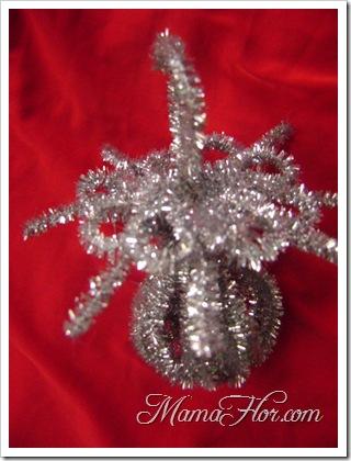 Adornos navideños a base de chenille o limpiapipas