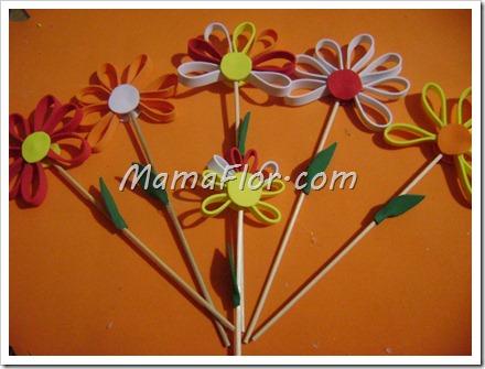 Como hacer flores de colores con goma de eva