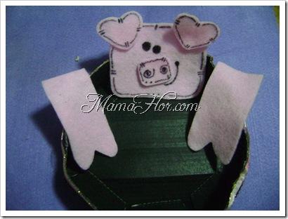 Caja sorpresa con figura de paño lenci