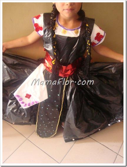 Como hacer el vestido de marinera con material de reciclaje