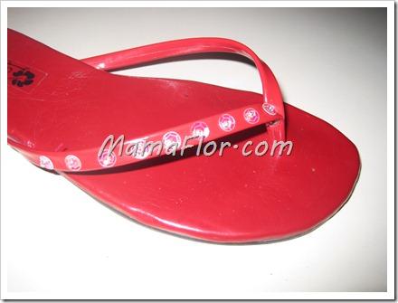 Como decorar con lentejuelas unas sencillas sandalias