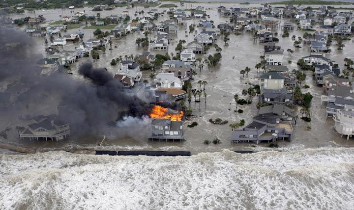 ike 3 Bencana Topan Badai Terdahsyat