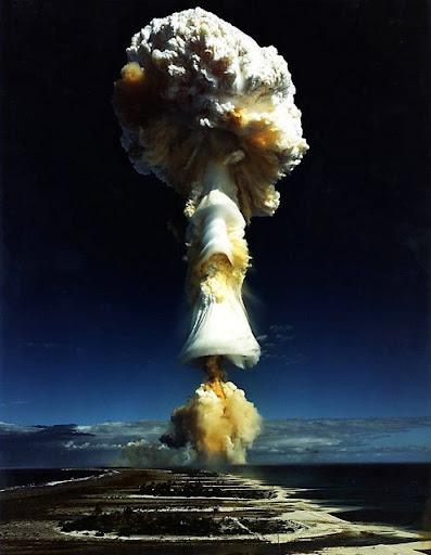 http://lh5.ggpht.com/_iRCt-m6tg6Y/SfNPq5q6ziI/AAAAAAAAHKk/nVmBxi5XwtI/bom-nuklir-03.jpg