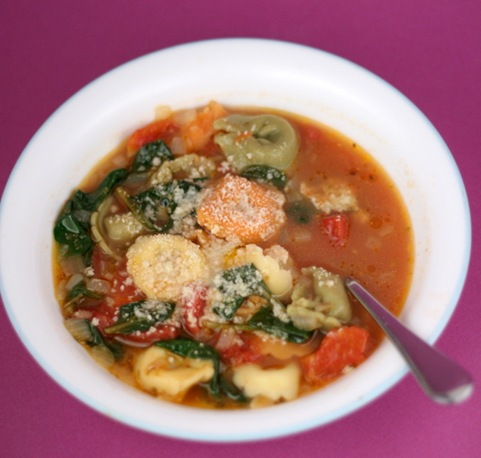spinach tortellini soup 2