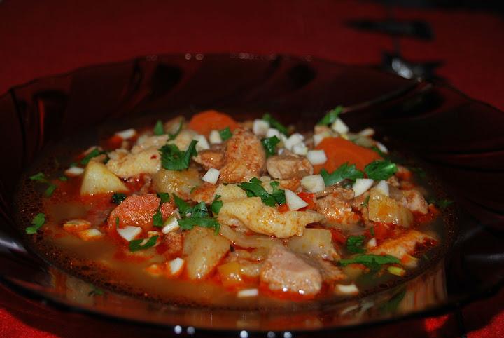 Articole culinare : Supa - gulyas de porc cu galusti