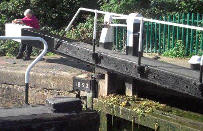 barge-close-lock.jpg