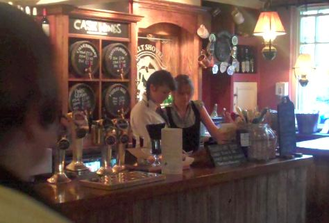 07-malt-shovel-bar-robin.jpg