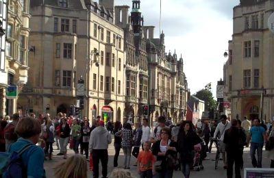 Oxford-street-scene-2.jpg