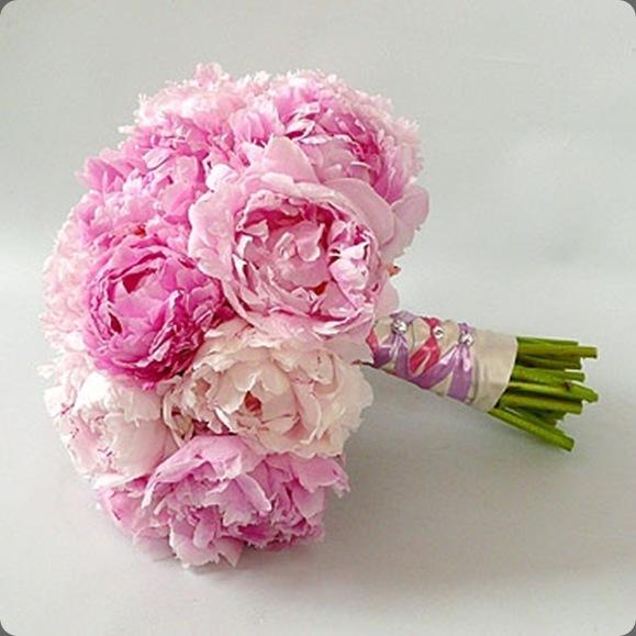 Sarah-Bernhardt-peonies-bridal-bouquet arome'