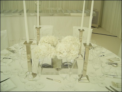wed_white_table2_lrobbir