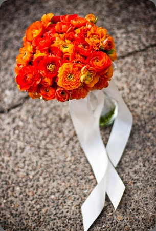 bridal-bouquet-orange-ranunculus-camp-colton-francoise-weeks