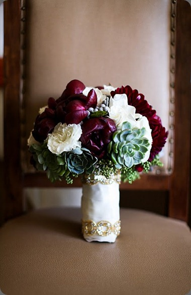 B 1  Bridal bouquet heavenly blooms