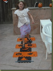 Linda and Halloween 2 042
