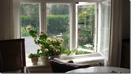 Lænestolen-ved-vinduet