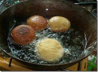 33 sufganiot cooking