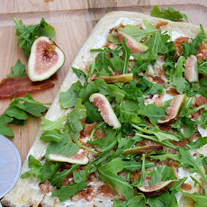Bacon, Fig and Arugula Pizza