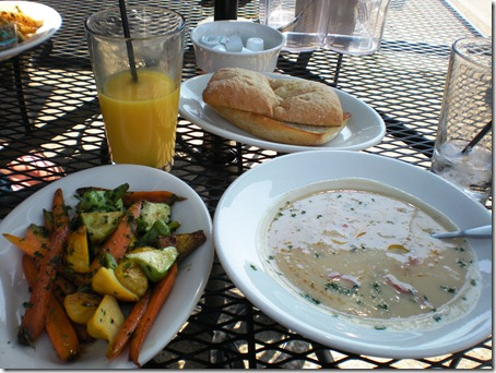 Orange juice, (ohmygod) bread, creamy white bean/garlic/roasted read pepper soup, and roasted carrots and pattypan squash in balsamic vinagrette.
