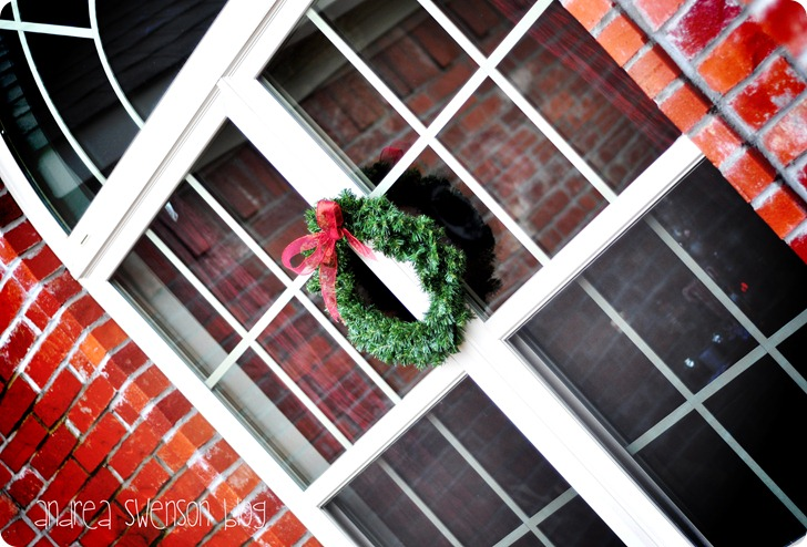 wreaths on windows cr
