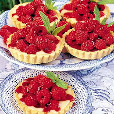 Berry Almond Tartlets With White Chocolate