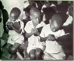 crianças pobres escola