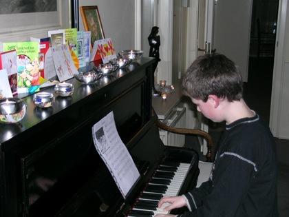 Alex piano