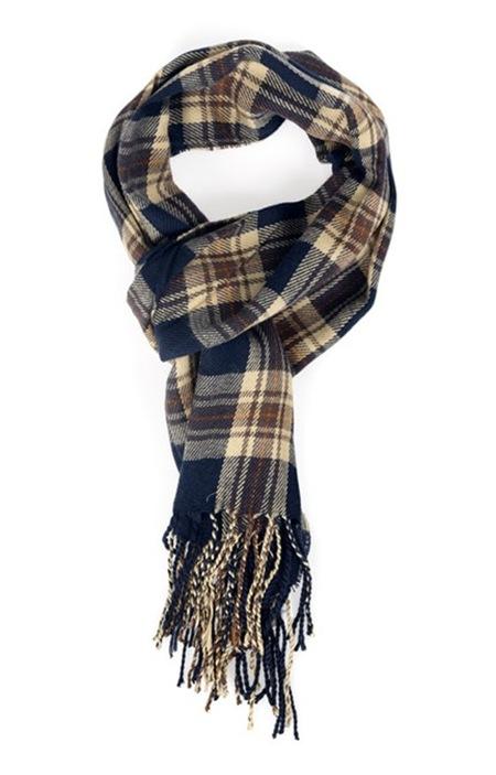 Gift 18 (Tartan scarf Zara)