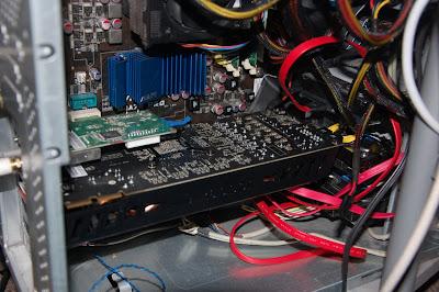 La 5870 dentro de la computadora