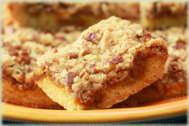 101102-pumpkin-butter-pecan-dessert-bars-1