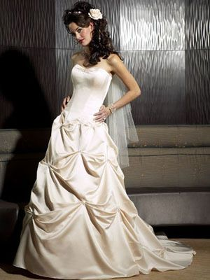 Wedding Dresses / Bridal Gowns