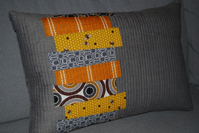 Den cushion front ochre