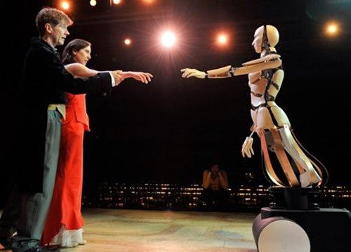Robots_Barnabe_Theatre