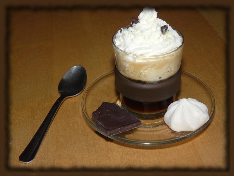 Défi 009 : Crème chantilly Cafe3