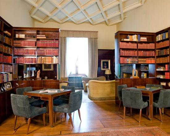 Biblioteca_Necchi_b