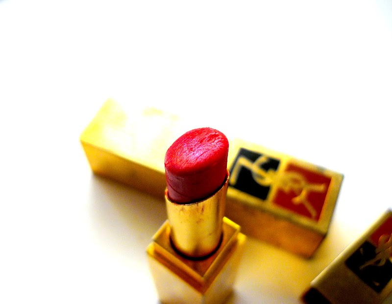 Confessions of a red lipstick