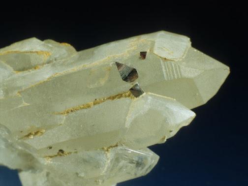 Anatasa sobre cuarzo