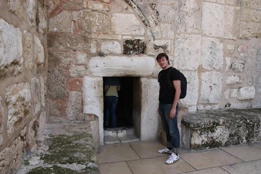 Wejście do żłóbka w Betlejem