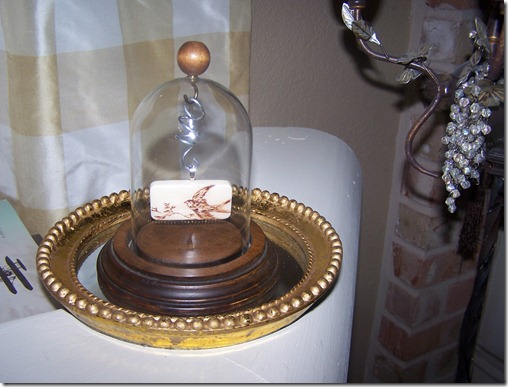 bird on domino in pocketwatch display (2)