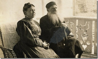 Tolstoy-Sitting-with-Sofya