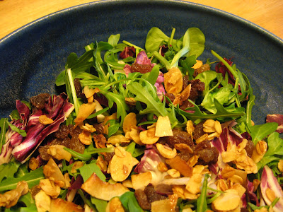 Alright, the blue bowl helps, but still it's quite a pretty as salads come, isn't it?