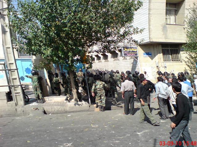 ورود نیروهای ویژه نیروی انتظامی به مسجد
