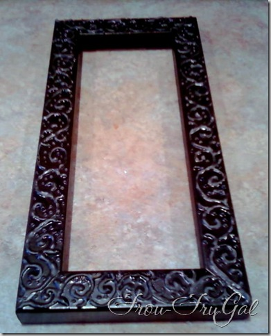 Frou FruGal: Embossing Technique - Piping Method - Spray Painted Frame