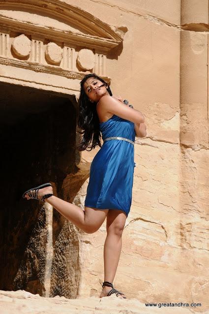Anushka Latest Thighs Exposing Photos
