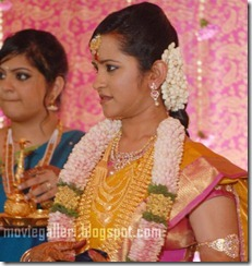 Durai-Dayanidhi-Azhagiri-Engagement-Stills-02-428x452
